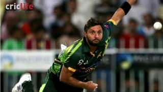 Shahid Afridi and four other Pakistani players issued show cause notice by PCB