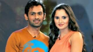 Sania Mirza cheers for husband Shoaib Malik in Colombo