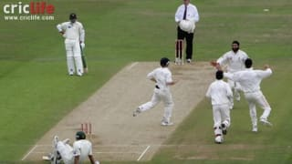 Inzamam-ul-Haq finds another way to get out; this time crashes to stumps