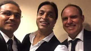Photo: Virender Sehwag catches up with old foes Shoaib Akhtar and Matthew Hayden