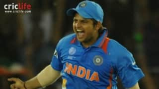 Suresh Raina takes an one-handed stunner to send back Younis Khan