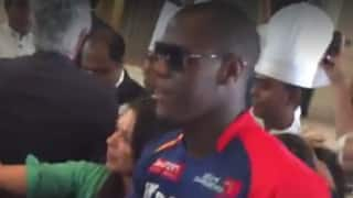 Video: 'Champion' Brathwaite gets a rousing welcome as he joins the Delhi Daredevils squad