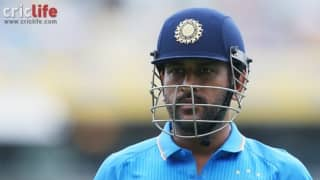Twitterati hail MS Dhoni's overall display against Australia at Melbourne
