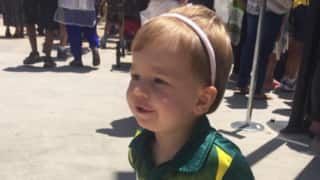 Fan's day out: Ivy Mae gets her bat signed on fan day; makes daddy David Warner proud