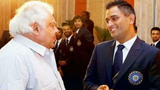 Farokh Engineer describes MS Dhoni's humble nature with an interesting story