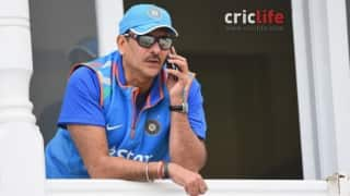 Bookie admits placing bets on Ravi Shastri's commentary