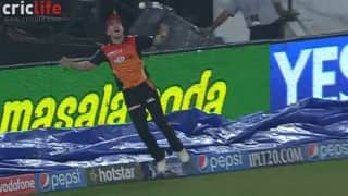 One wrong step by Warner, one giant setback for Sunrisers