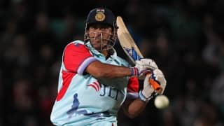 MS Dhoni hits the customary winning run; US$650,000 raised for Help for Heroes