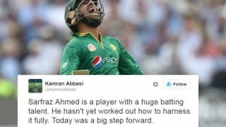 Fans applaud Sarfraz Ahmed's heroic century against England at Lord's