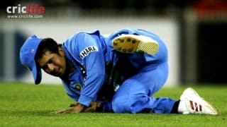 Sachin Tendulkar surprises all with a spectacular catch