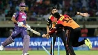 When Yuvraj Singh ran out MS Dhoni off Ashish Nehra's bowling