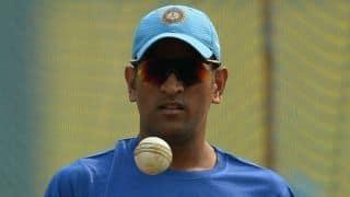 महेंद्र सिंह धोनी ने विजय हजारे मैच में खेलने से किया इनकार