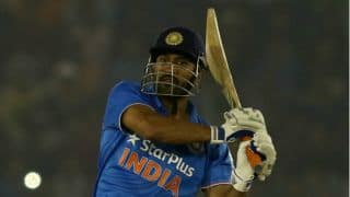 Adam Gilchrist congratules MS Dhoni for 9,000 runs in ODI cricket