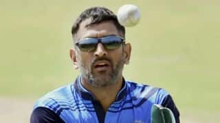 Man booked for stealing MS Dhoni's mobile phone during hotel fire