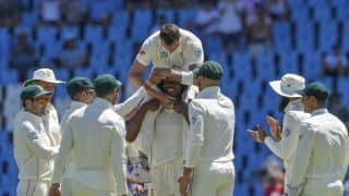 Dale Steyn sets record as Pakistan struggle at lunch