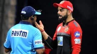 IPL 2018: विराट कोहली पर लगा 12 लाख रुपये का जुर्माना