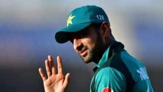 Shoaib Malik to return home from England to deal with 'domestic issue'
