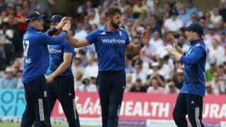 Morgan credits Woakes, Butler, Plunkett for England's effort vs SL