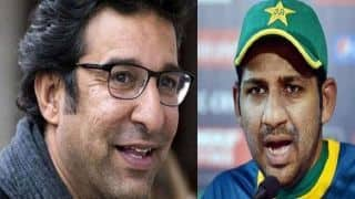 Akram lashes out at PCB for calling Sarfraz back home from South Africa