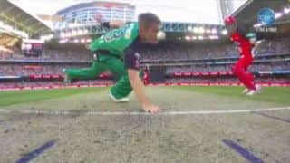 VIDEO: Adam Zampa suffers broken nose in bizarre run-out in BBL 2015-16