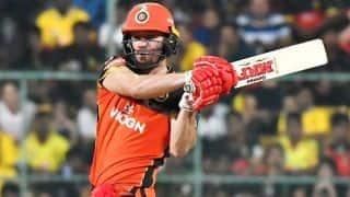 एबी डिविलियर्स का आतिशी अर्धशतक, पंजाब को 203 रन का लक्ष्य