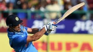 MS Dhoni lifts India from ruins; Sri Lanka need 113 runs to win Dharamsala ODI
