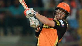 David Warner, Ben Cutting propel SRH to 208 for 7 against RCB in IPL 2016 Final