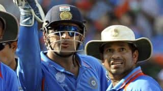 MS Dhoni enters Tendulkar's illustrious club; the Master congratulates on Twitter