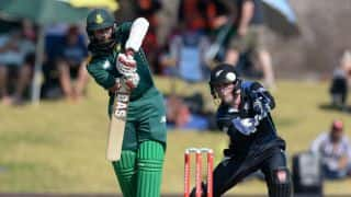 NZ 207/2 | Live Cricket Score, South Africa vs New Zealand 2015, 2nd ODI at Potchefstroom:  Martin Guptill's 103 leads NZ to victory