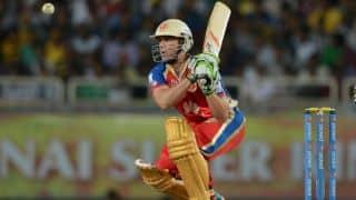 KKR vs RCB in IPL 2015: AB de Villiers falls for 28 as Bangalore stumble