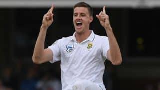 वर्नन फिलेंडर की धमाकेदार गेंदबाजी के दम पर दक्षिण अफ्रीका ने ऑस्ट्रेलिया को रिकॉर्ड 492 रनों से हराया। 3-1 से सीरीज की अपने नाम