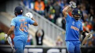 विश्व कप: रोहित-विराट की शानदार पारी, पाकिस्तान को 337 रन का लक्ष्य