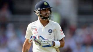 Tendulkar helps Kohli work on batting