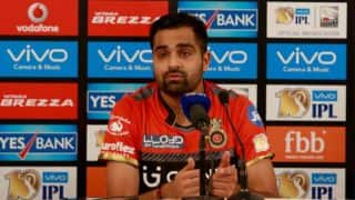 IPL 2017: Kohli wasn't happy with my bowling, says Aniket after loss vs MI
