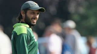 Shahid Afridi wins it for his team in an exhibition match for displaced at Bannu