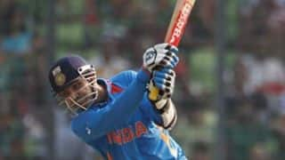 VIDEO: Virender Sehwag's belligerent 119 helps India crush Pakistan in Asia Cup 2008