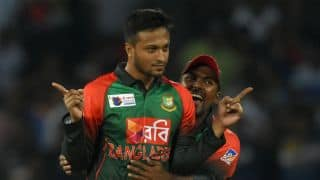 Shakib Al Hasan stops play during Bangladesh-Sri Lanka, 6th T20I; Twitterrati explodes in criticism