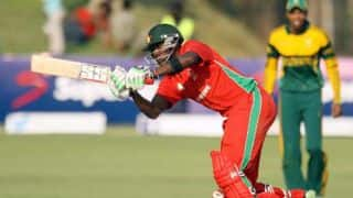 Zimbabwe lose Elton Chigumbura; reach 110 for 5 after 28 overs