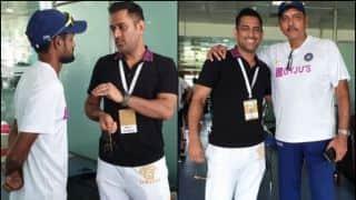 रांची में जीत के बाद टीम इंडिया से मिलने पहुंचे महेंद्र सिंह धोनी