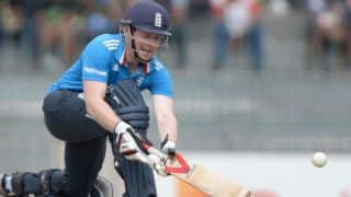 Australia vs England, 1st ODI in Sydney: Eoin Morgan gets fifty, England take powerplay in 34th over