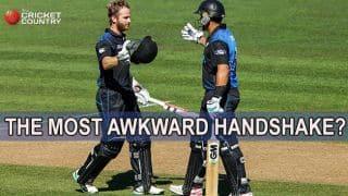 Williamson, Taylor share awkward handshake