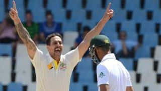South Africa rattled by Mitchell Johnson — enter lunch on Day 4 at 65/3