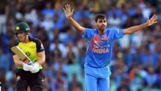 3rd T20I: Australia bat as Starc returns for series decider