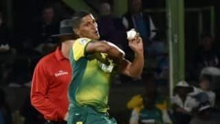 3rd ODI: Beuran Hendricks makes ODI debut as Pakistan opt to bat