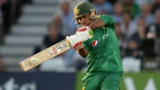 Sarfraz Ahmed returns home to ailing mother