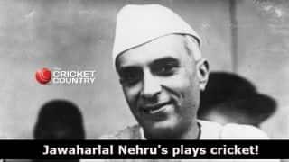 VIDEO: Jawaharlal Nehru plays cricket!