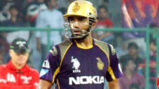 Robin Uthappa guides Kolkata Knight Riders in run-chase against Sunrisers Hyderabad in IPL 2014