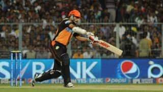 David Warner departs as Sunrisers Hyderabad start well against Mumbai Indians in Match 23 of IPL 2015