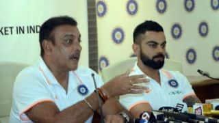 एडिलेड टेस्ट की पहली पारी में बल्लेबाजों ने मूर्खतापूर्ण क्रिकेट खेली: शास्त्री