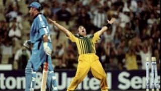 Shane Warne sledges out Nasser Hussain, wins match for Australia